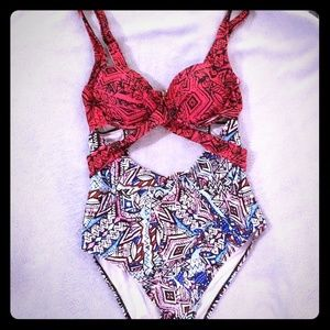 Women's sz 10 bathing suit